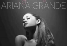 Ariana Grande - Piano