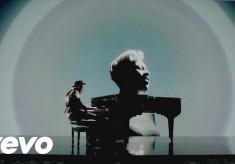 Labrinth - Beneath Your Beautiful feat. Emeli Sande