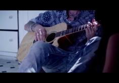 Machine Gun Kelly - Swing Life Away feat. Kellin Quinn