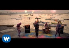 Coldplay - Hymn For The Weekend feat. Beyonce