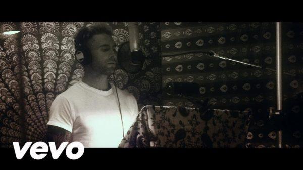 Adam Levine - Go Now (Sing Street Soundtrack)