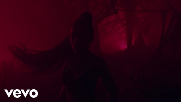 Ariana Grande - The Light Is Coming feat. Nicki Minaj