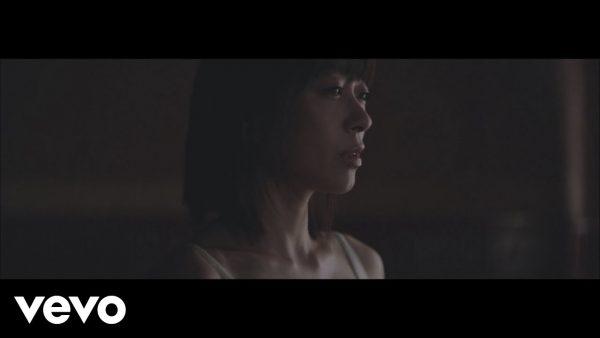 Utada Hikaru - 初恋 (HATSUKOI)